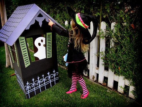 Make A Haunted House! 14 Cardboard Box Crafts All Things Autumn