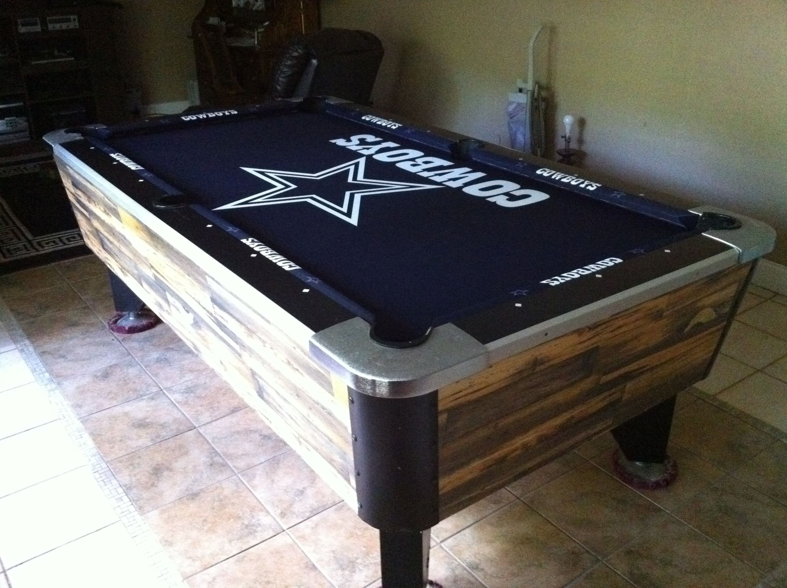 dallas cowboys folding chairs white leather egg chair with tilt lock mechanism pool table pinterest