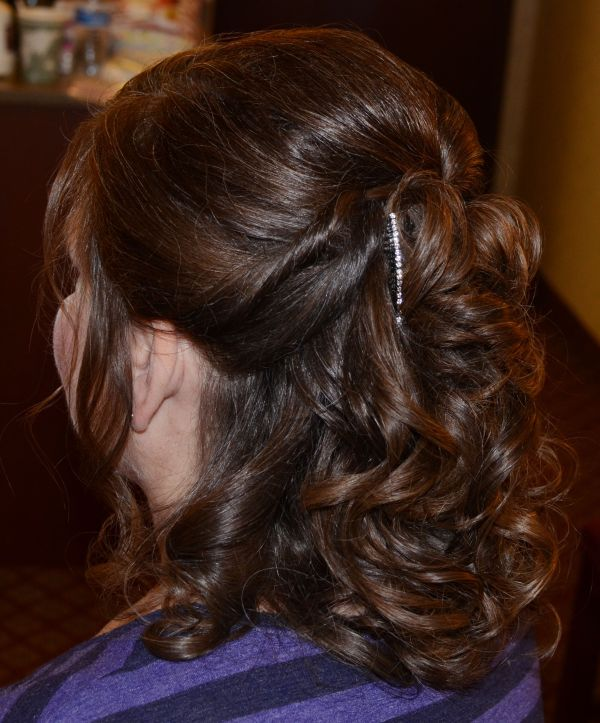 30 The Mother Of Bride Hairstyles Medium Length Half Up