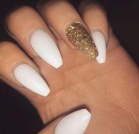 White & gold glitter nails ||To see more follow @Kiki&Slim ...