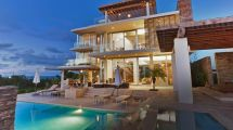 Millionaires Live In Canada Modern