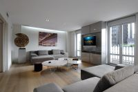 Contemporary living room in white and grey design ideas (4 ...