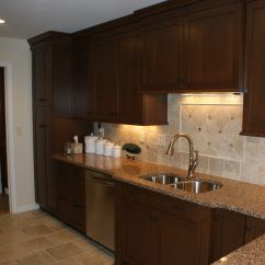 Brookhaven Kitchen Cabinets Bakers Racks For By Woodmode Bridgeport Nut Brown On Cherry With