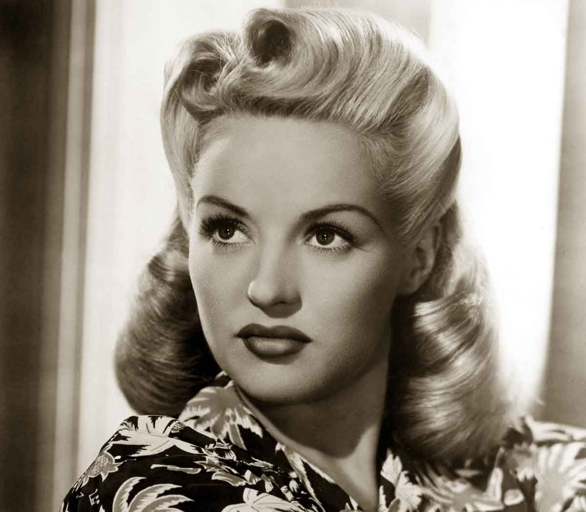 1940s Hairstyles Memorable Pompadours Betty Grable Vintage