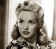 1940s-hairstyles-memorable-pompadours-betty-grable