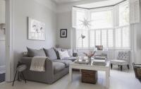Victorian terrace sitting room, plantation shutters, white ...