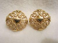 Vintage Avon Earrings Beautiful Filigree Gold Tone Design