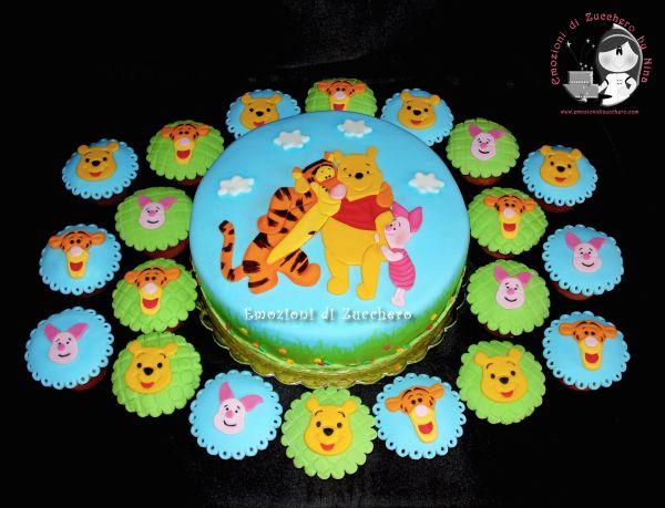 Winnie Pooh - Cake And Cupcakes