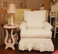 comfy chair...love the pink table | Furniture | Pinterest ...
