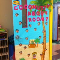 Luau classroom door | ((( Classroom Ideas ))) | Pinterest ...