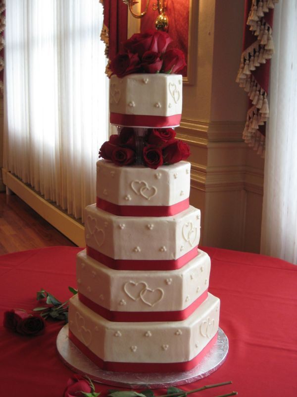 5 Tier Hexagon Wedding Cake With Fresh Roses And Red