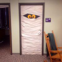 Halloween mummy door | Mummy Halloween | Pinterest ...