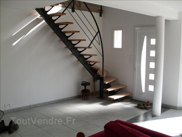 Escalier moderne tout metallique metal bois limon central 1  Escalier  Pinterest  More