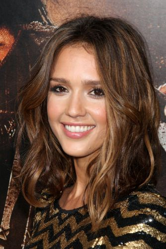Mid Length Hairstyles Ideas For Women's Highlights Brunette