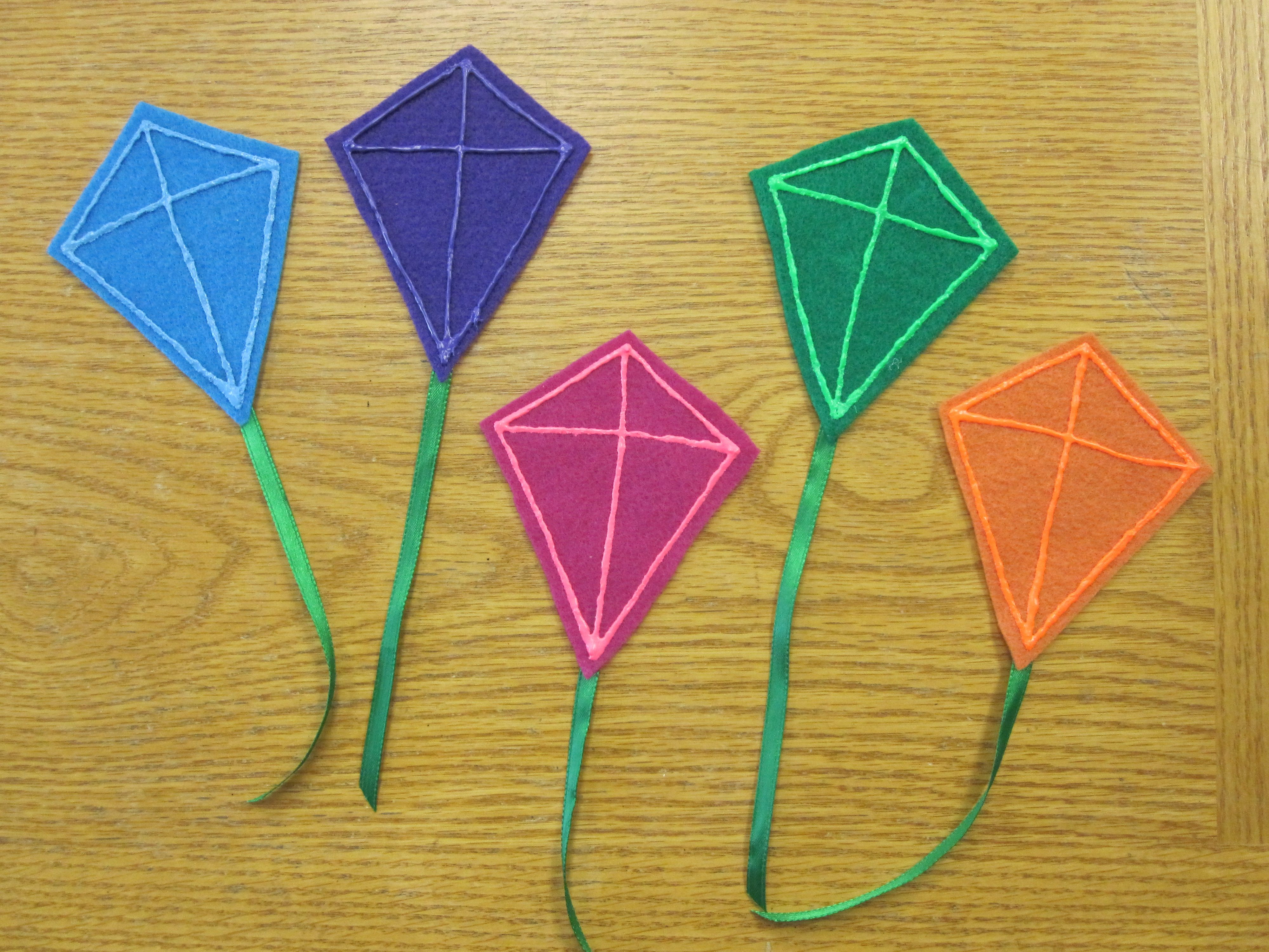 5 Little Kites One Little Kite In The Sky So Blue Along Came Another Then There Were Two Two