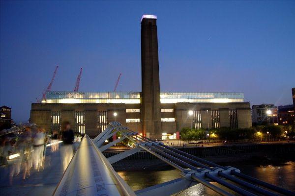 Article Tate Modern In London. '