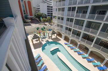 Myrtle Beach Villas 303b This 6 Bedroom 5 Bath Villa Sleeps 20 People And
