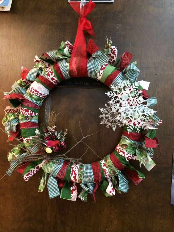 Christmas Pool Noodle Wreath Projects