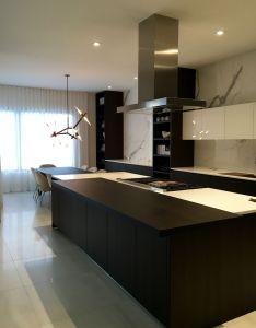 Chic modern poliform varenna kitchen also pinterest rh