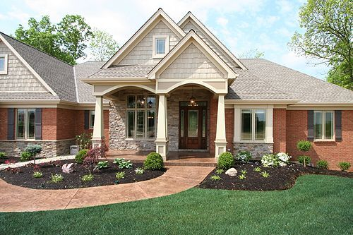 Traditional Brick Ranch Homes With Great Exterior Trim Colors