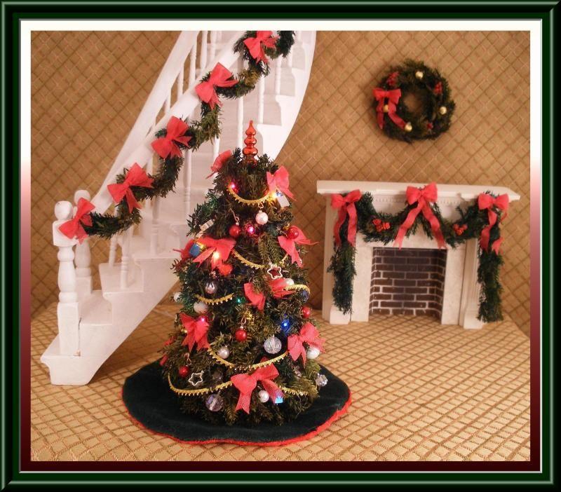 Dollhouse Christmas Decorations