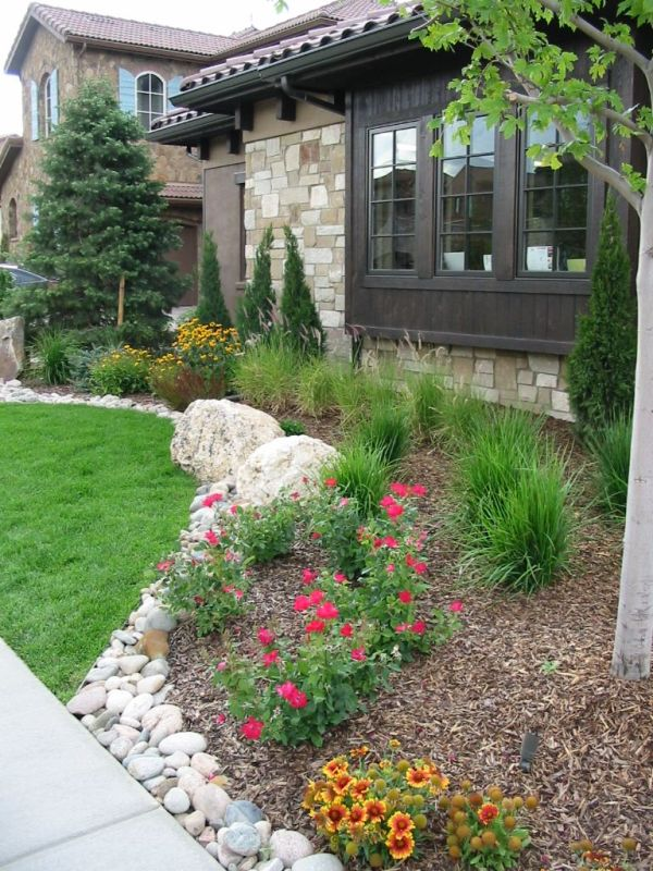 rustic landscapping homes