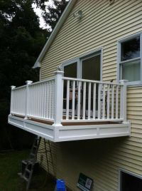 Cantilevered porch / deck / balcony from master bedroom ...