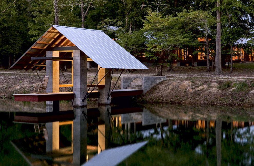 boat dock ideas deck in Deck Farmhouse with boat house blocks  MUELLES LAKE  Pinterest  Brick