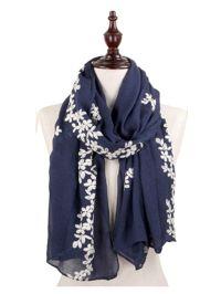Best 25+ Accessorize scarves ideas on Pinterest | Ways to ...