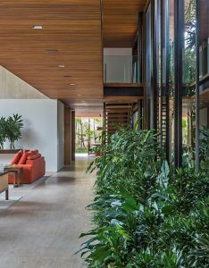 Jacobsen arquitetura visually blends inside and outside with sao paulo house also rh uk pinterest