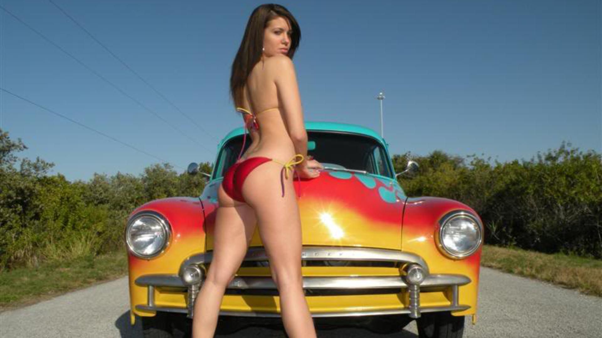 Beautiful Car With Beautiful Model Wallpaper Girls