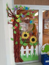Classroom door ( spring ) | Bulletin Board Ideas | Pinterest