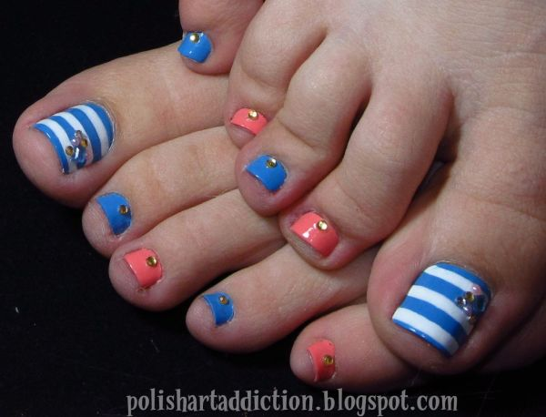 White and Blue Toe Nail Designs