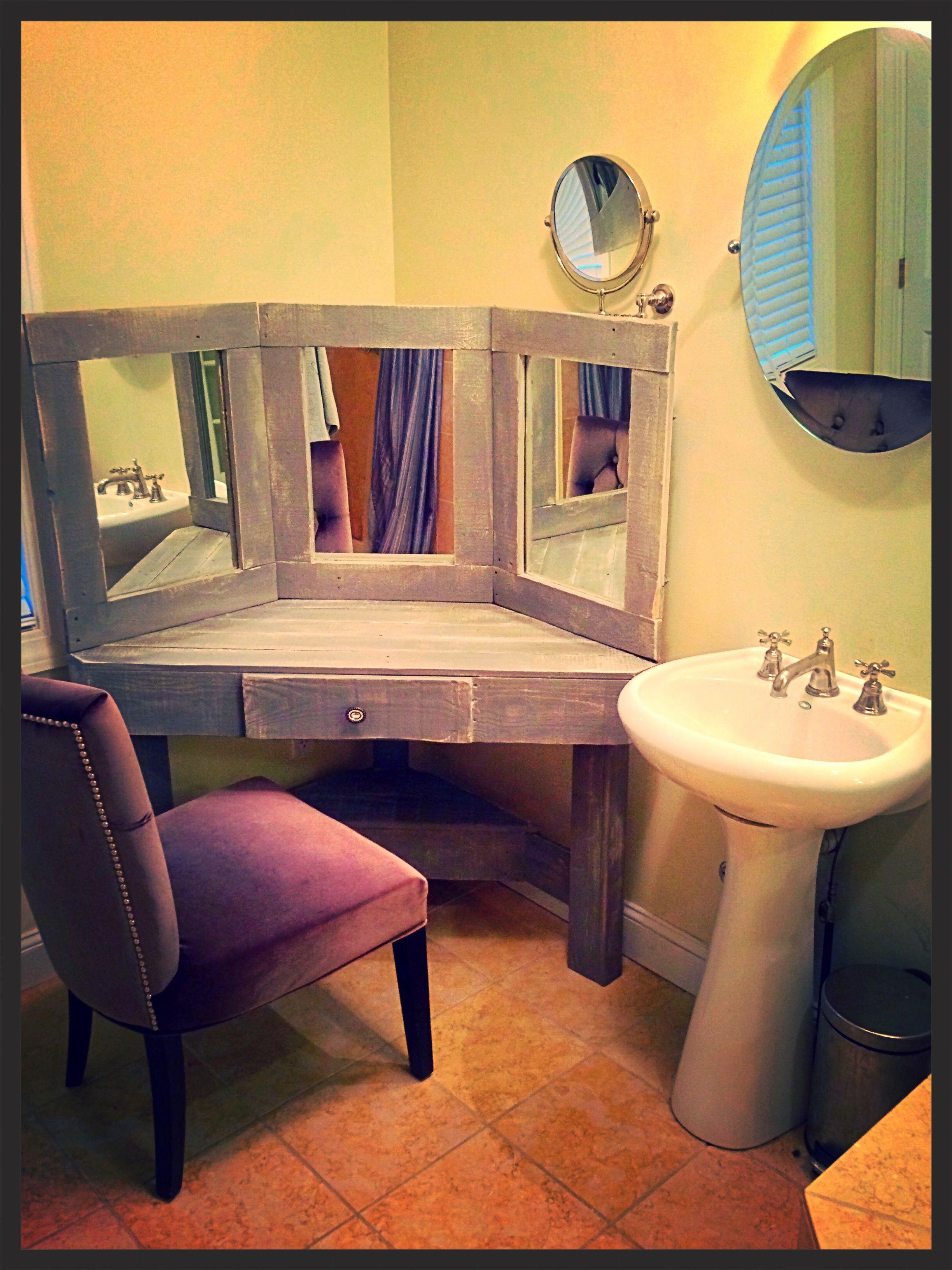 Best 25 Corner makeup vanity ideas on Pinterest
