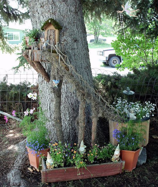 Here's How To Make A Sweetly Whimsical DIY Fairy House Planter