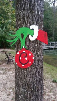 Best 25+ Grinch decorations ideas on Pinterest