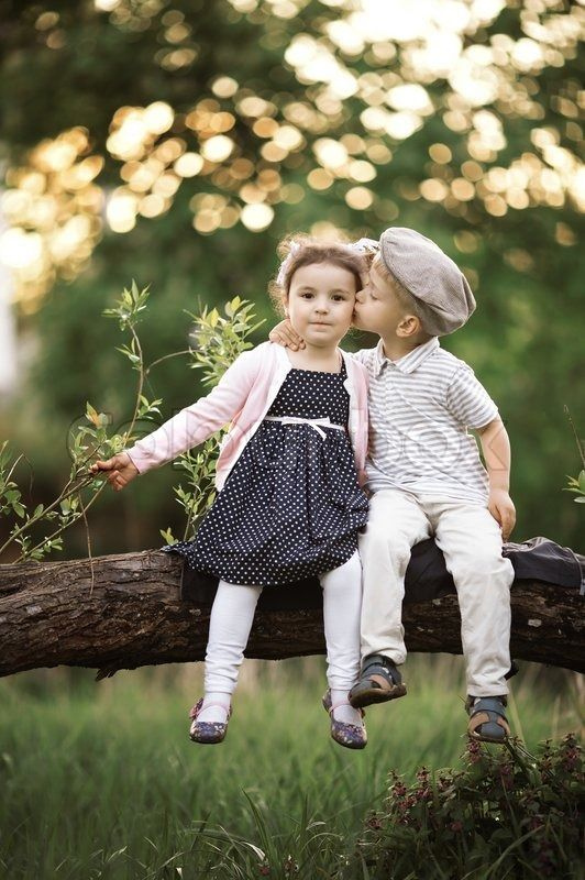 Cute Baby Couple Hug Wallpaper Little Girl And Little Boy Kissing Google Search Kids
