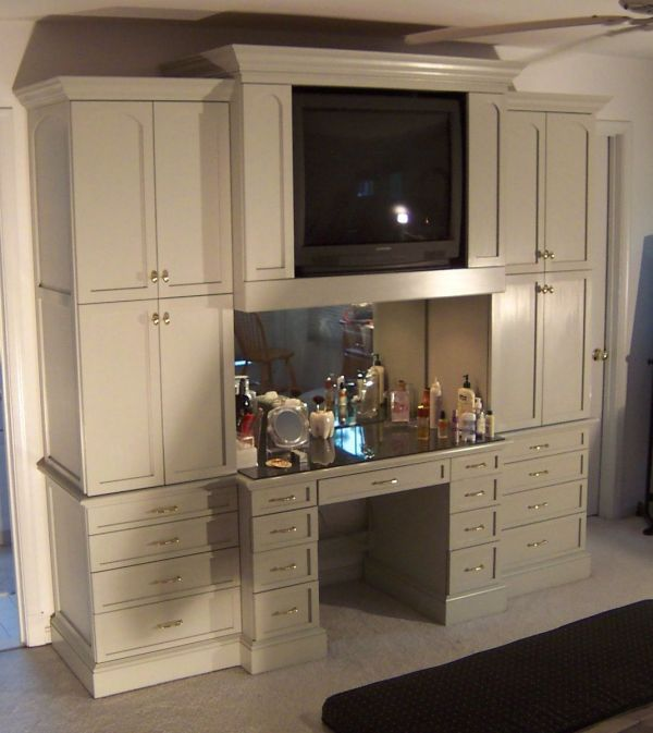 Bedroom Cabinet And Makeup Table-built-in Sans Tv