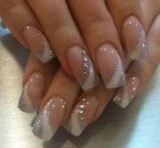 silver and white nail art nokti