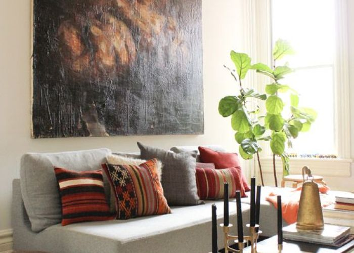 Interior home design ideas image gorgeous living room in eclectic style layered rugs textured pillows and big art also oversized for the pinterest layering