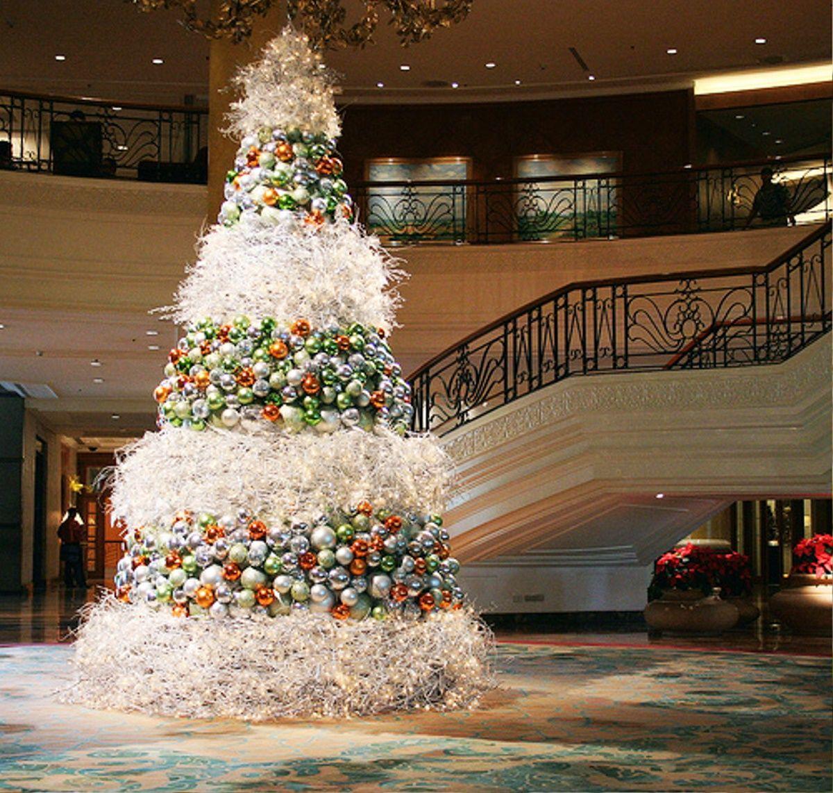 34 MODERN CHRISTMAS TREE DECORATION IDEAS Modern Christmas Tree