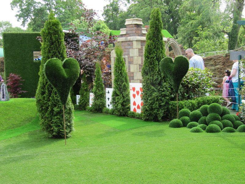 Alice In Wonderland Garden Decor The Alice In Wonderland Garden