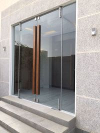Glass door with wooden handle | Architecture | Pinterest ...