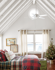 This festive midwest country home is packed with cute christmas decorating ideas abby hoppen farmhouse also you haven   seen until ve the inside of rh pinterest