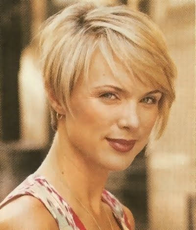Short Hairstyles For Ladies In Their 40s Google Search