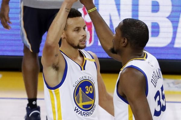 Kevin Durant Leads Golden State Warriors To Victory Over Charlotte