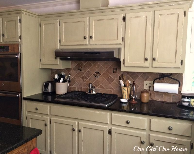 Where to Put Knobs on Kitchen Cabinets