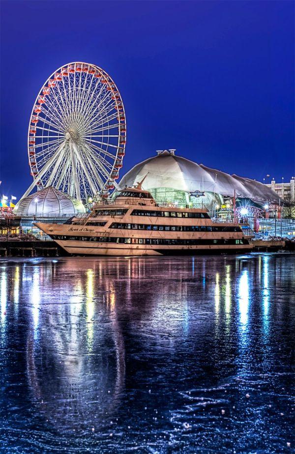 Navy Pier In Chicago. Wanna ' Warmer. Ride Ferris Wheel Chicago