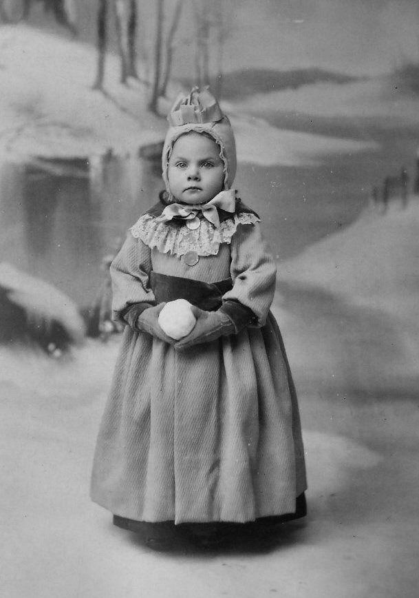 Victorian Childrens Winter Costume 1850 1900 Victorian Skating Costumes Pinterest