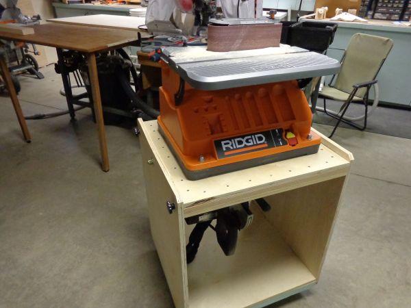 Flip Top Work Bench for Tools